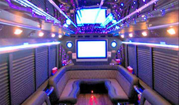 Detroit Party Bus & Limousine