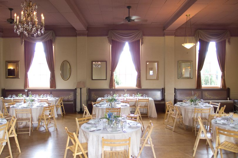 banquet, bistro and round tables provided
