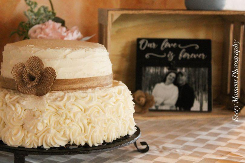 Every Moment Photography wedding cake