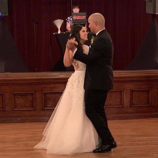 Garrett & Alisha - First Dance