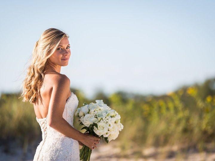 Tmx 1523626420 E4a607ee64fa5e9d 1523626420 D6924a934cf6c737 1523626421064 1 BRIDE OUTSIDE  Shelter Island, NY wedding venue