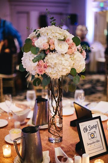 Centerpiece-Photo credit Wayfarer Studio