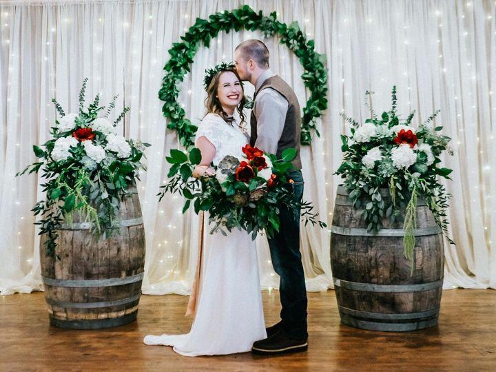 Tmx 1524676481 Ac267b71ee781130 1524676332 8a6a8ae64e4bf7d2 1524676330 0ad4cc5cf8eefe0f 152467 Clackamas, OR wedding florist