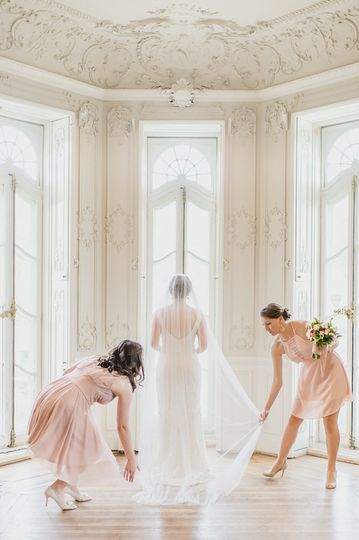 The White Room in Cylburn Mansion can be used as a Bridal Suite, for photographs, cocktails or small...