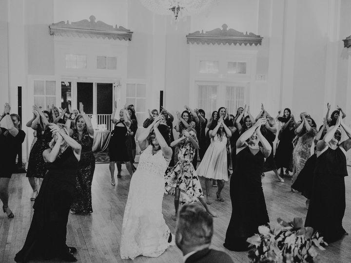 Tmx Dancing Paperantler 0027 51 1274069 158568637739828 Minneapolis, MN wedding planner