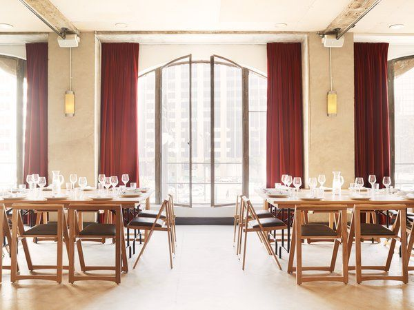 Segovia hall dining setup