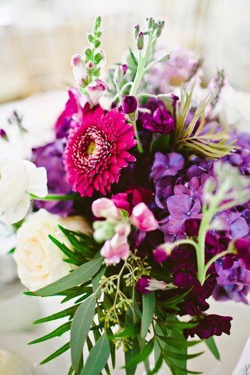 kinship flowers boston ma weddingwire. Black Bedroom Furniture Sets. Home Design Ideas