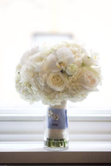 Classic hand-held bouquet