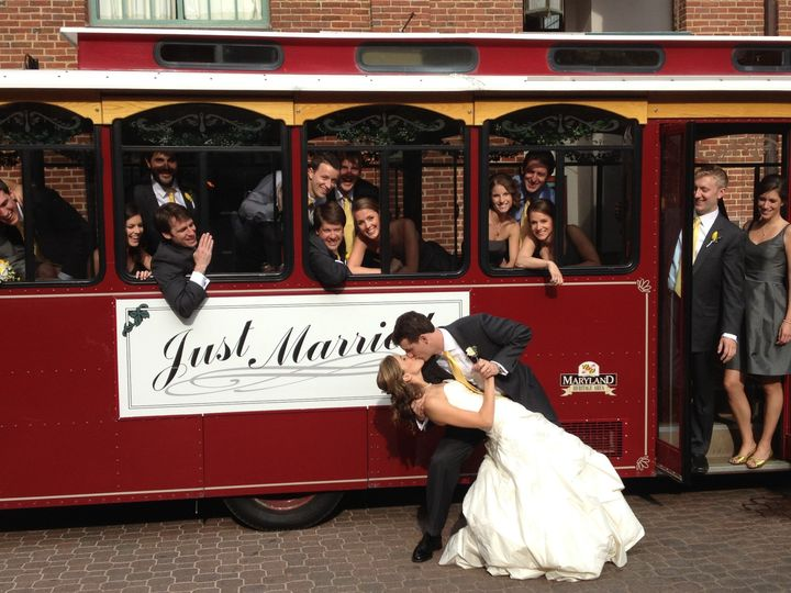 just married bride and groom pic 1 1