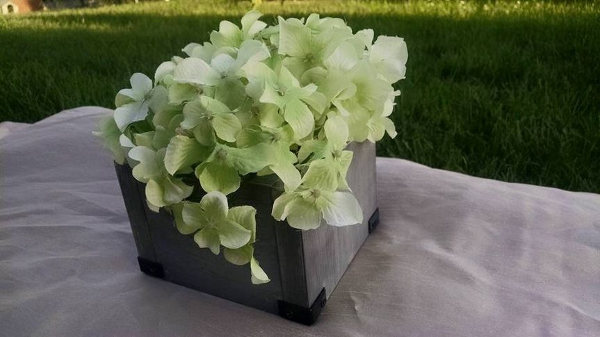 Simple centerpiece box. See listing on www.etsy.com/shop/fortwagler