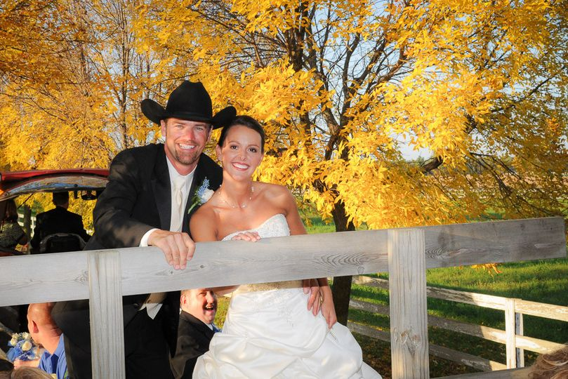 country wedding fall leaves fernwood botanical d