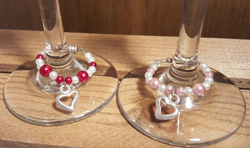 traditional wine charmssingle heart2 set1