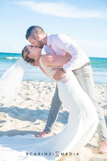 wedding kiss 51 525169 159976731493889