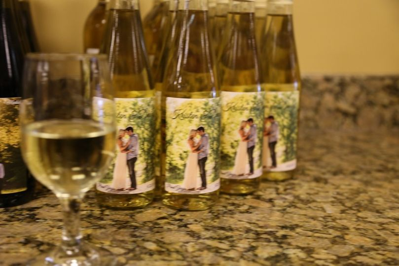 custom wine bottle wedding favors 6d img9969
