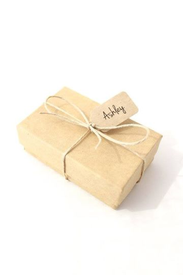 Have you already ordered jewelry for your bridesmaids for Maid of Honor? Our adorable packaging...