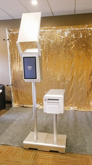 Booth with classic gold sequin