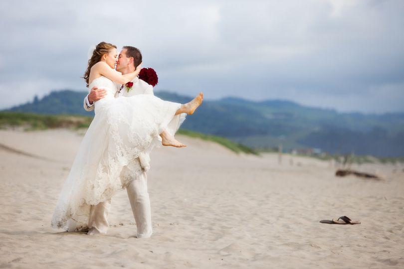 portland oregon weddings oregon coast beach weddings cannon beach0005 edit 51 501269 1571159471
