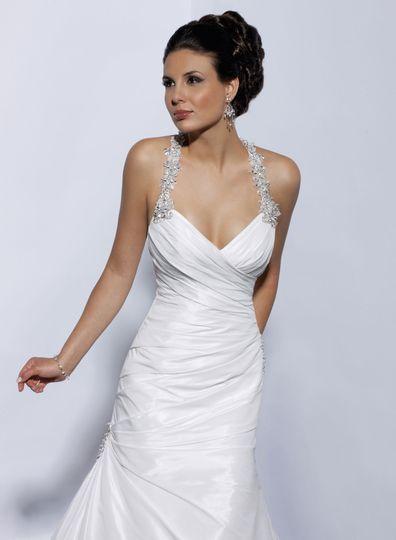 Sleeveless wedding dress