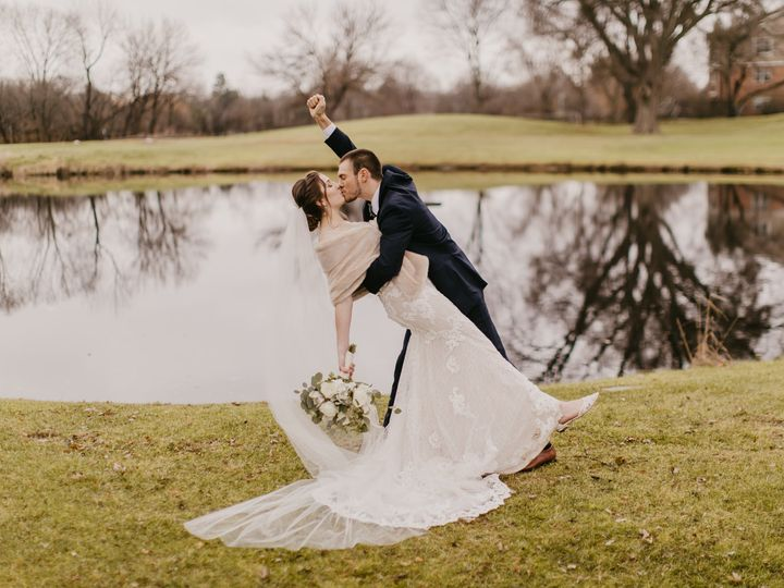 Tmx  A2b2704 51 23269 159958407612994 McHenry, IL wedding dress