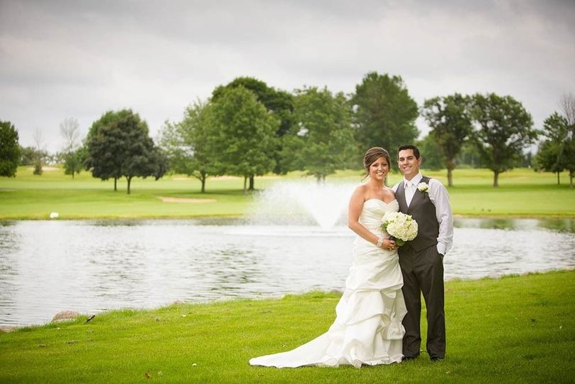 2b6667e7244098b8 1473949576725 wedding 2