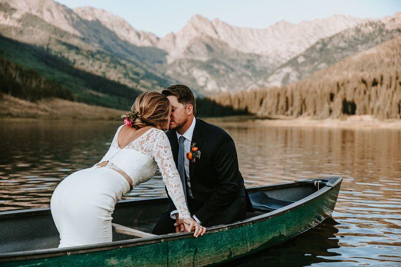 A&J kissing on Piney Lake