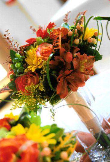 Warm tones in flower bouquet