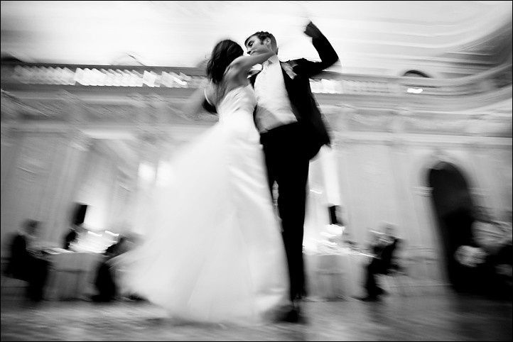 wedding dancing motion blur photo
