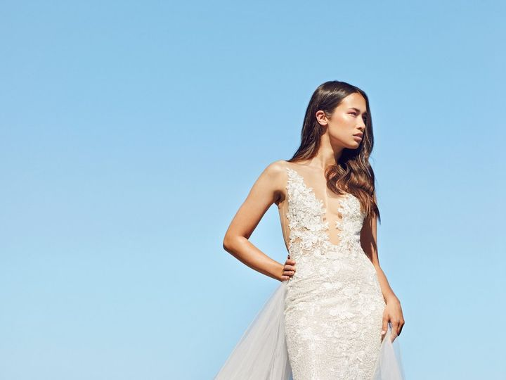 Tmx Sanibel With Train 51 1369 160246743368166 Corona Del Mar, CA wedding dress