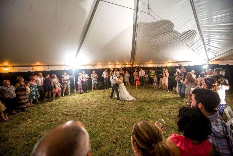 bride groom first dance backyard outdoor wedding r
