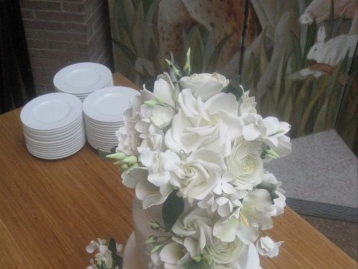 Tmx 1360082097380 Picture370 Brooklyn wedding cake