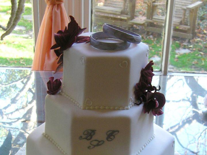 Tmx 1360178328443 Hexagon003 Brooklyn wedding cake