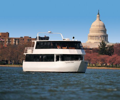 Capital Elite yacht in front of Capitol Building
