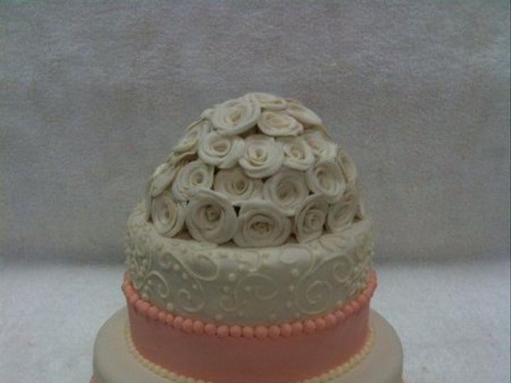 Tmx 1277275089989 Peachandcreamweddingcake Meridian wedding cake