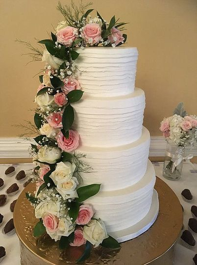 Deco Edge Wedding Cake / Pawleys Plantation Wedding