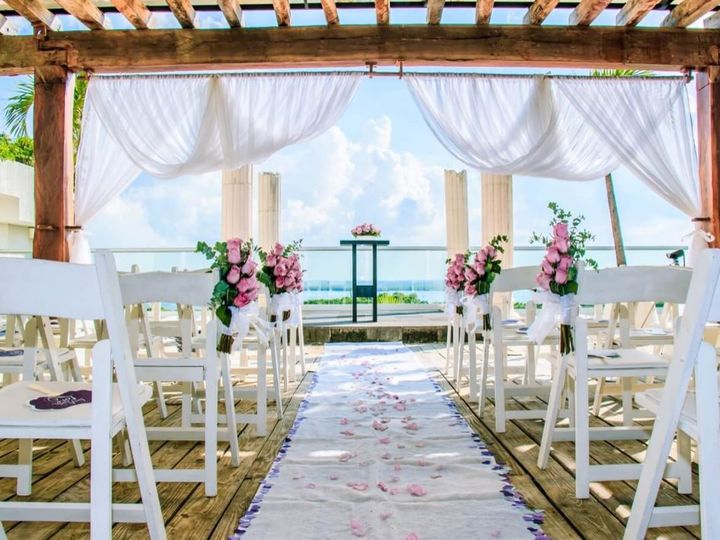 Tmx Oasis Grand Sens Wedding 1 51 1042469 Port Huron, MI wedding travel
