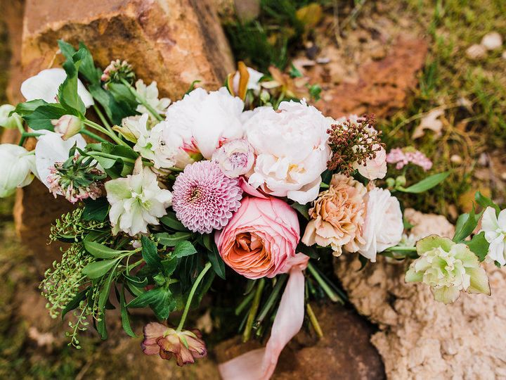 Tmx 1524786508 987671b47f46d8a3 1524786507 B0d7dff78cef779b 1524786505107 1 SusanandTaylor SWe Denton wedding florist