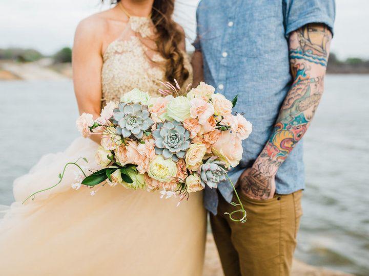 Tmx 1524786583 36b3aced4f101895 1524786582 6b336f328c177524 1524786581891 3 EmmaStyledSession  Denton wedding florist