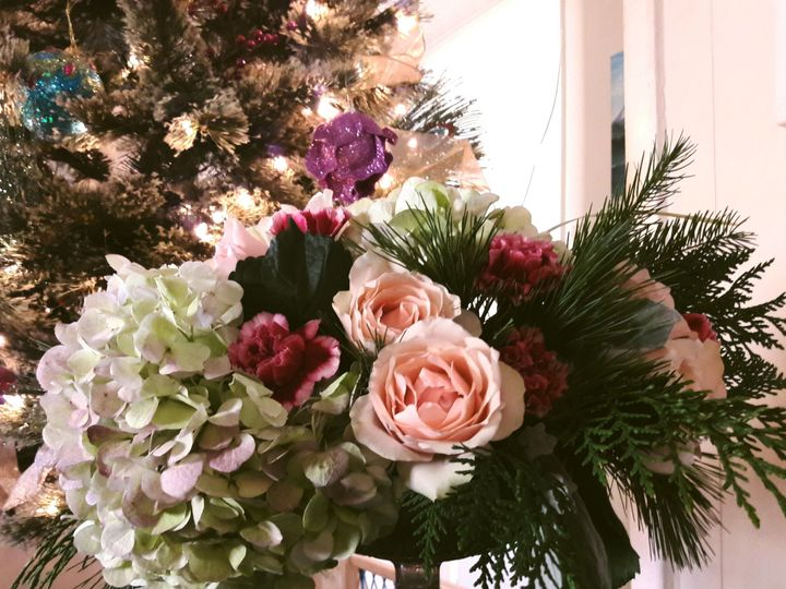 Tmx 1524789162 Faa8ebcf5c2a2aec 1524789160 0cd6dbe5dbeceaa5 1524789155974 6 IMG 20171211 12512 Denton wedding florist