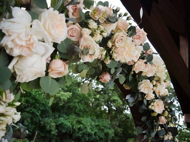 Tmx 1527187006 C2b5e4946ba07bfa 1527187005 09e677b34576c896 1527187004684 1 32294556 101072607 Denton wedding florist
