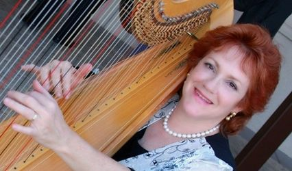 Harpist Naomi Alter