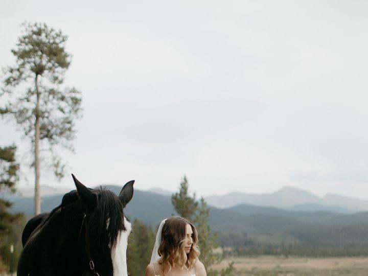 Tmx 0083 Dn2a9265 51 8469 159129306929102 Boulder, CO wedding florist