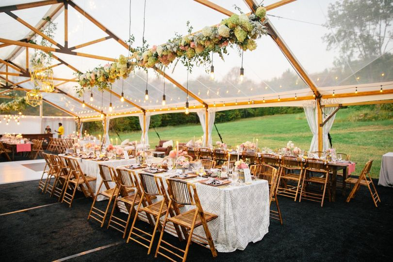 Private home tent wedding