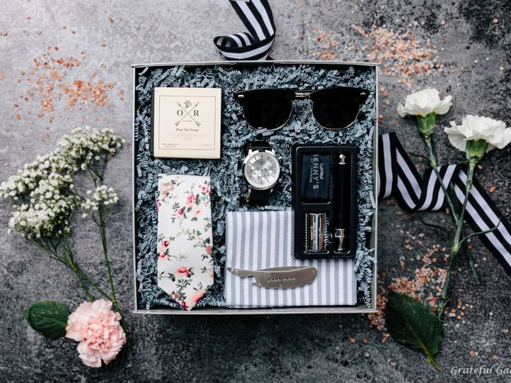 Tmx Gift Box For Men Beard Kit Floral Tie Sunglasses Luxury Watch Comb Pine Soap Grey Towel 51 1040569 1566585210 Charlotte, NC wedding favor