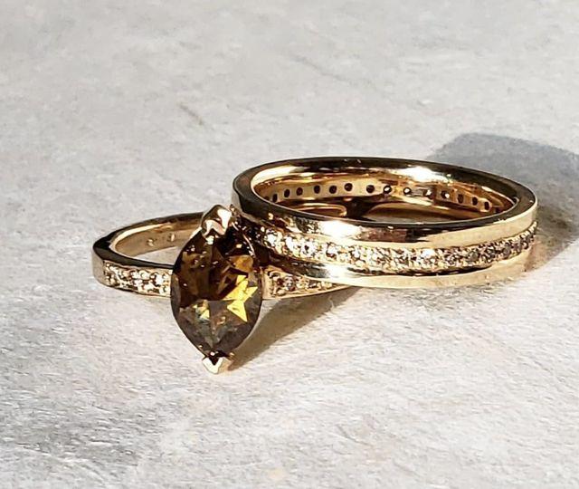 Eternity wedding band set