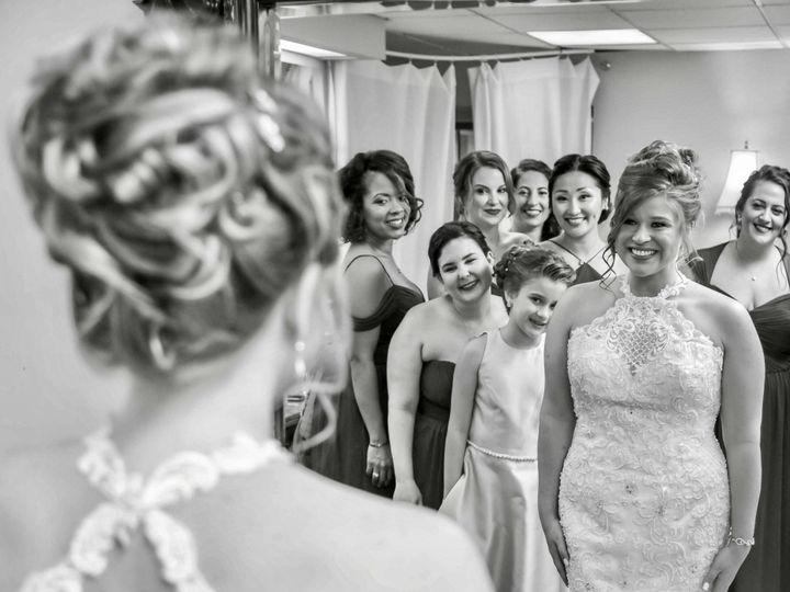 Tmx Image3 1 51 782569 158524760384375 Springfield wedding beauty