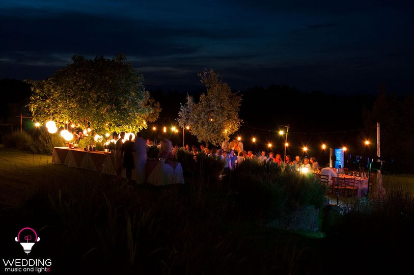 Wedding edison vintage lighting Castello Gargonza - Tuscany - Italy