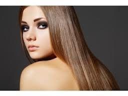 brunettepose