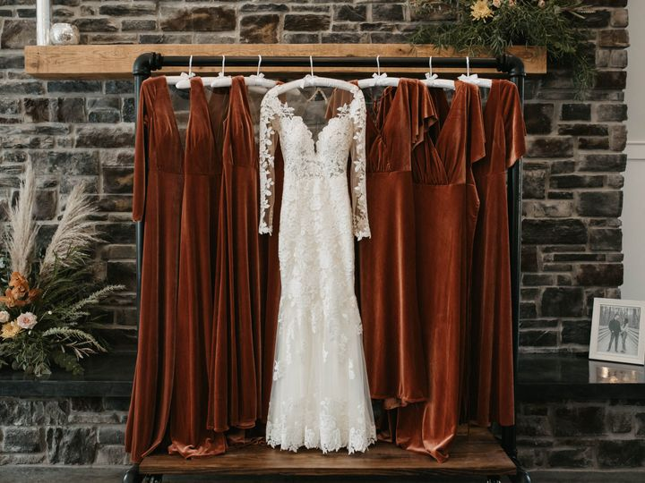 Tmx Dress Rack And Flowers 51 1976569 160887477615956 Greencastle, IN wedding venue