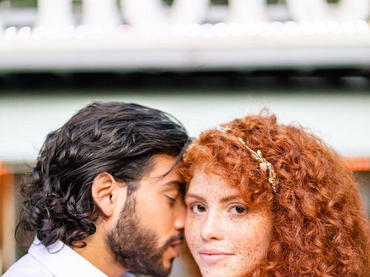 Tmx 158a1449daniellefilmandphototheoldmillrosevalleypaweddingphotographerphiladelphialancaster 2019 51 939569 157535515246613 Pittsburgh, PA wedding photography