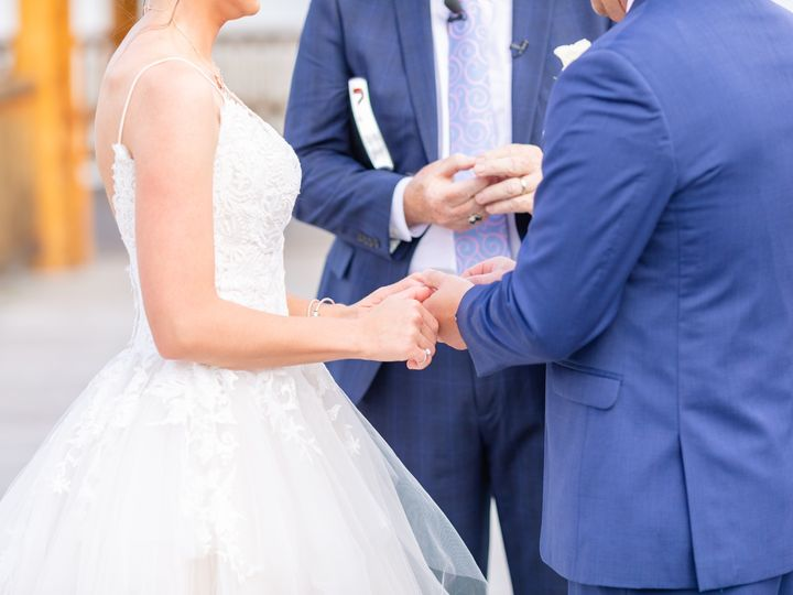 Tmx 158a2952daniellefilmandphotothegatheringplaceatdarlingtonlakeweddingphotographerpennsylvania2019 51 939569 157535542441278 Pittsburgh, PA wedding photography